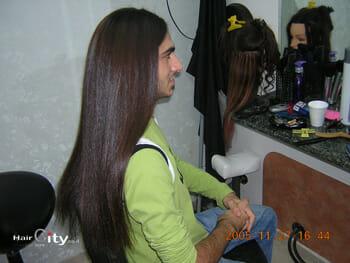 החלקת שיער לגברים